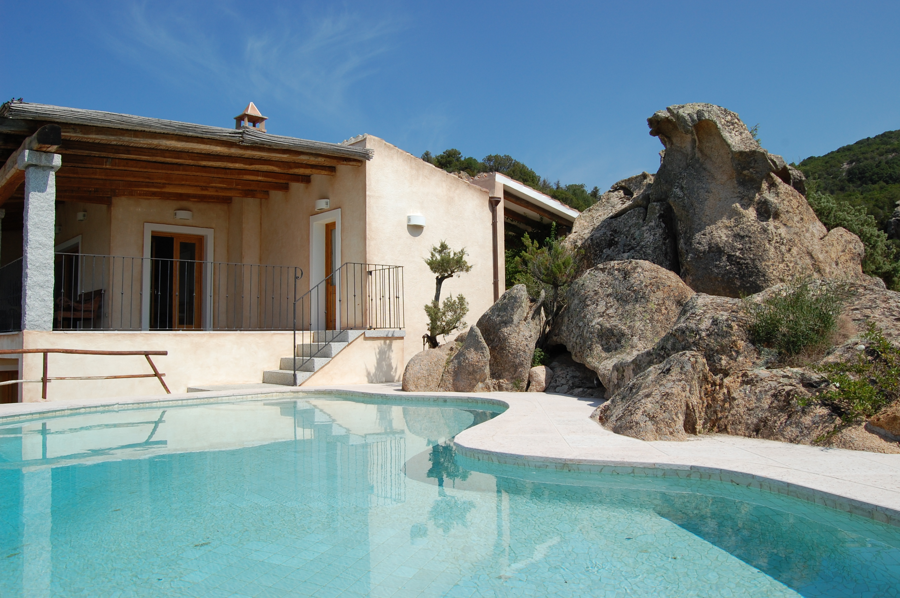 Italy costa smeralda baja sardinia fantastic villa for Case affitto vacanze